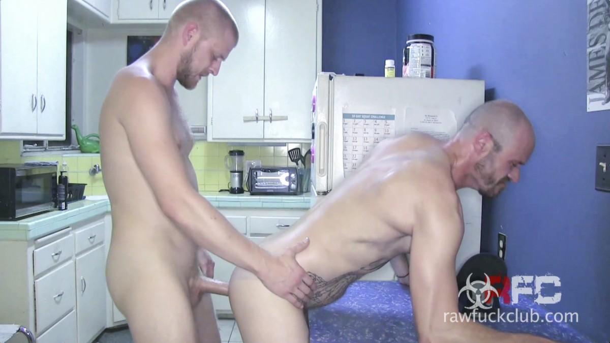 Matt Woods Jerks Off - Gay Porn - Video 3139