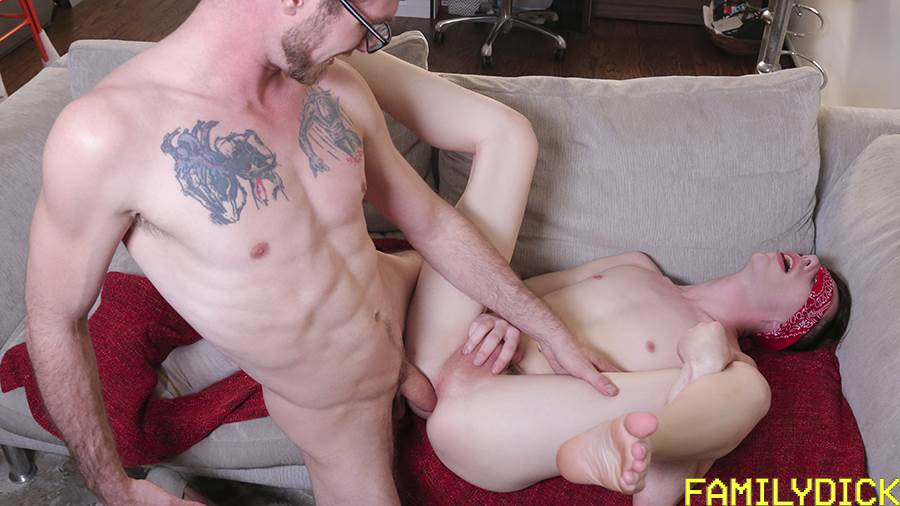 Family Dick: Daddy Breeds Again 7