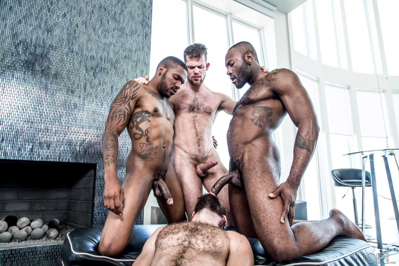 muscle daddy vs small latin gay porn