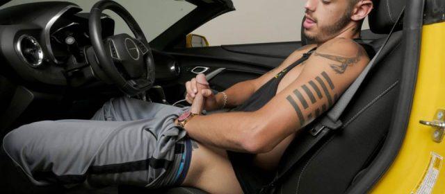 Ari Nucci – Sexy Solo