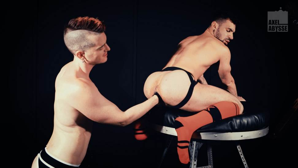 Ian Greene and Axel Abysse - Gay Fisting 2