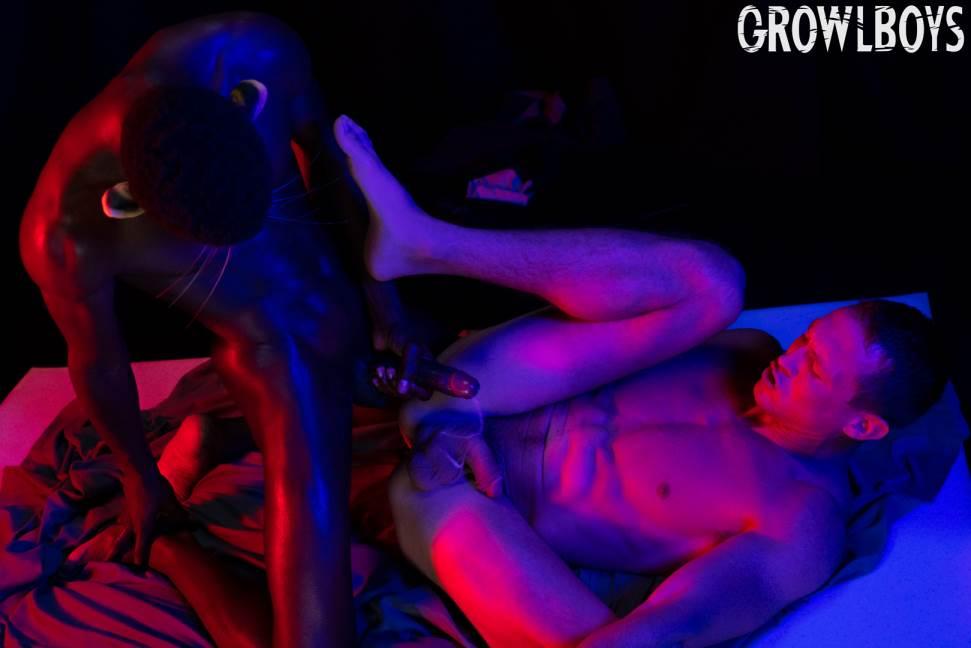 Growl Boys: Big Cat - Drake Magnum and Pierce Paris 3