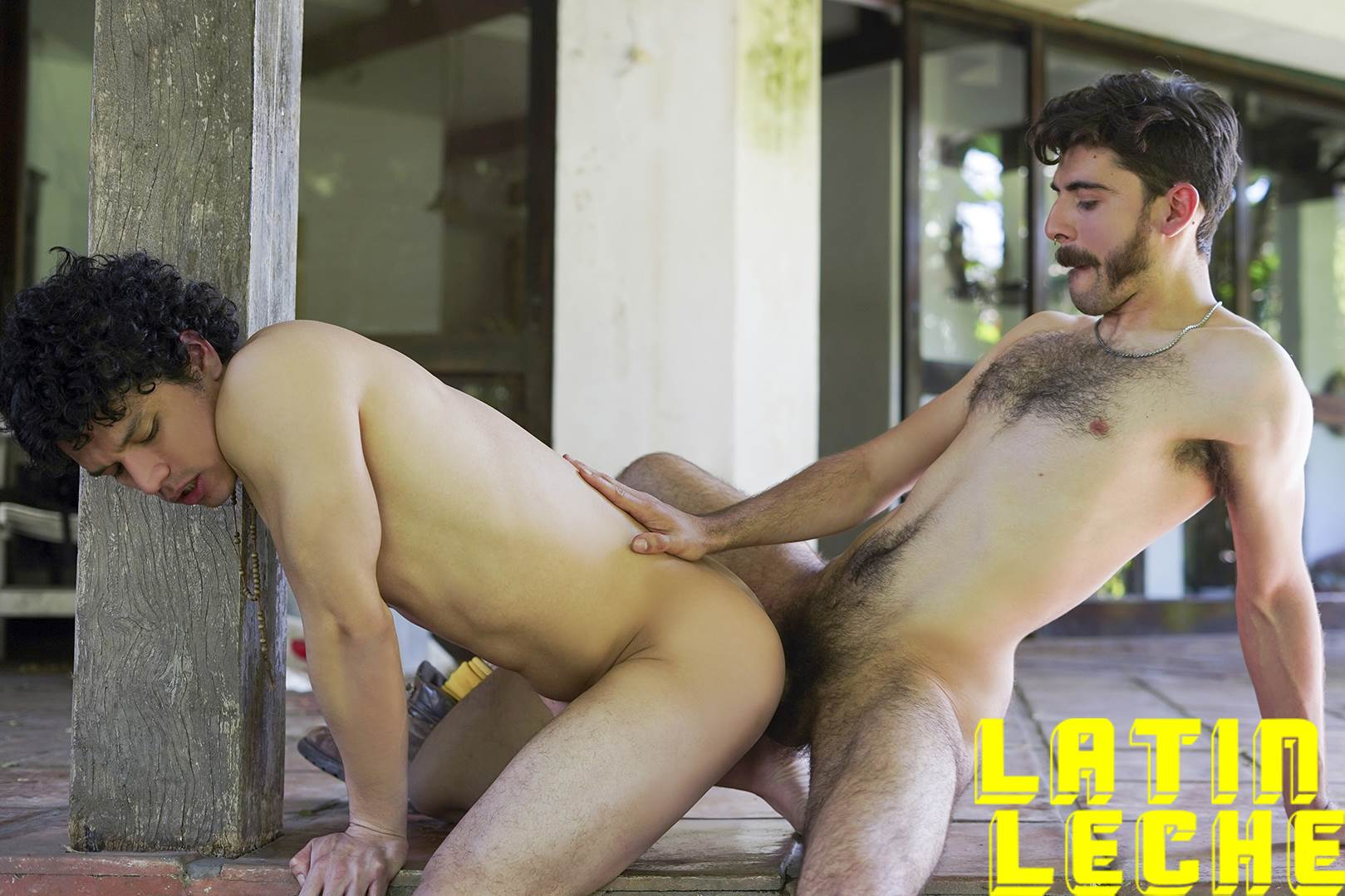 LatinLeche: Numero 67 4