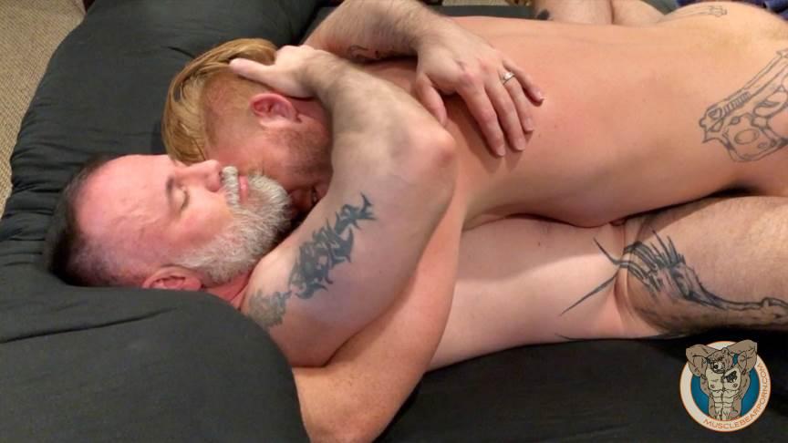 Muscle Bears Porn: Bennett Anthony 1