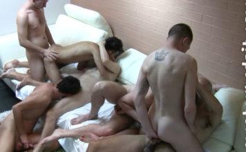 Amateurs Do It: 8 Men Orgy 1