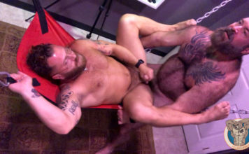 Muscle Bear Porn: Fucking Riley Mitchel 1