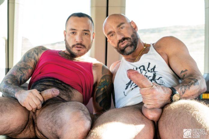 Drew Sebastian & Julian Torres - Part 1: Fist Bus 2 3