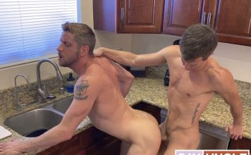 Family Dick: Johnny Ford & Isaac Parker - Chapter 4 1