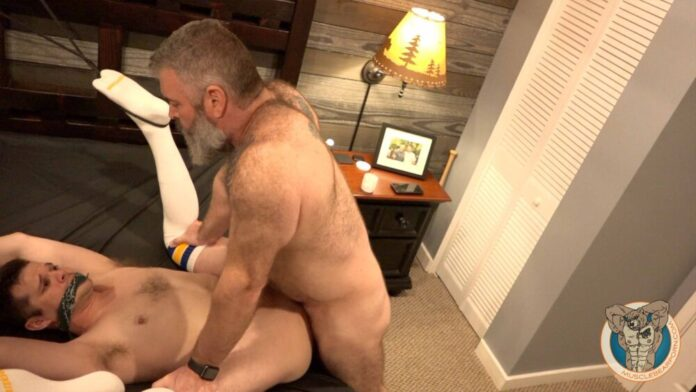 MuscleBearPorn: Scott Ryder & Will Angell 1