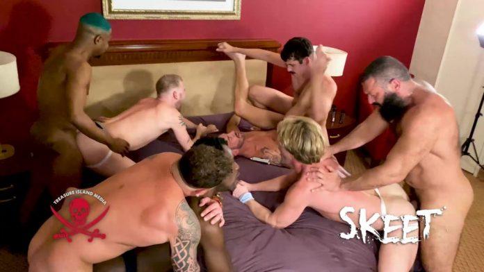 SKEET: 8-Men Bareback Orgy